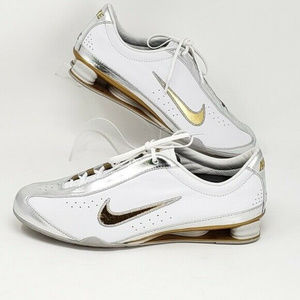 Nike Shoes - Nike Shock Sole Sneakers Size 7 Amazing Condition